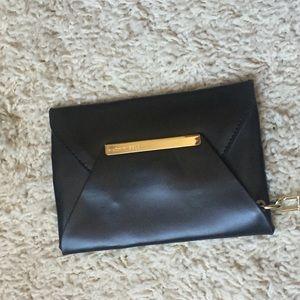 BCBGMaxAzria Bags - 🍋Host Pick🍋 BCBGMaxAzria Cleo tote bag